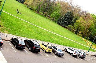 Megközelíthetőség, parkolás